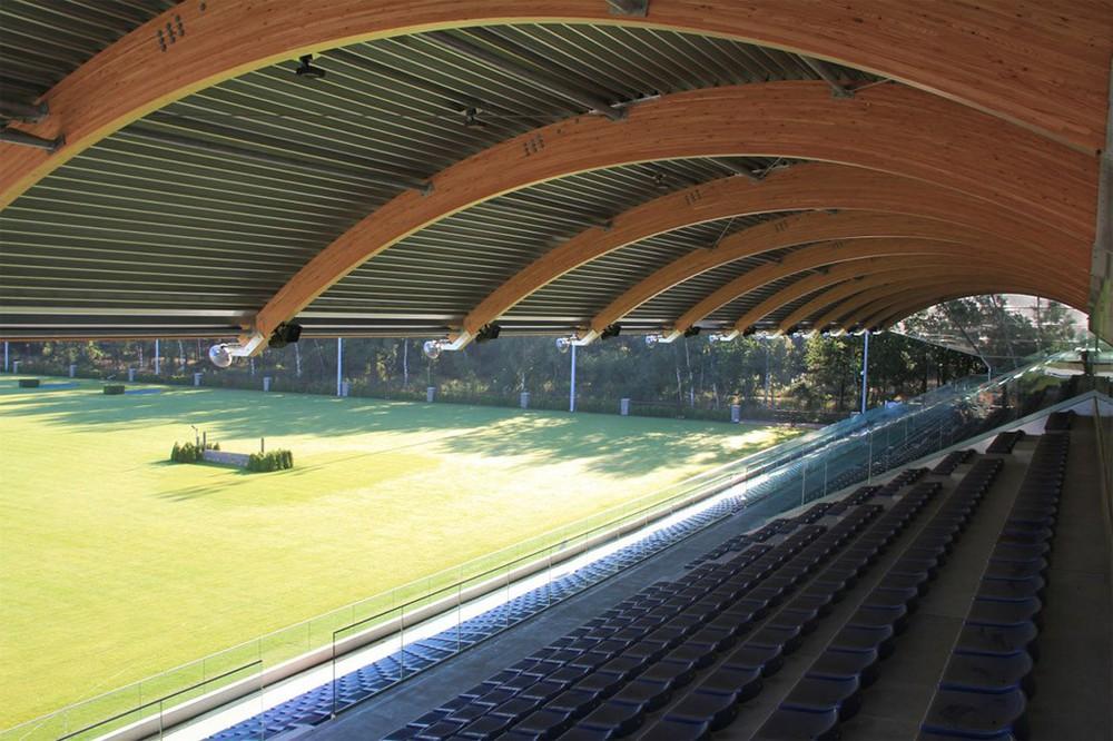 Tribüne der Stal Tops International Arena