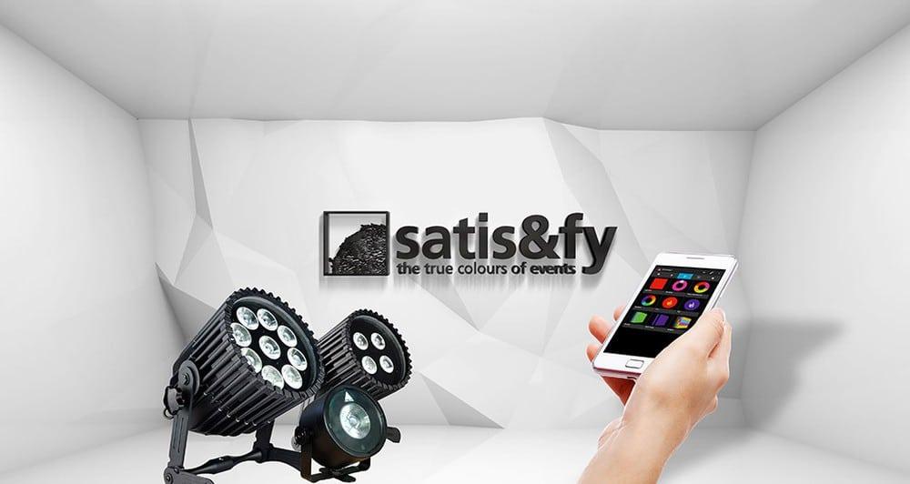 Aster a Scheinwerfer und Satis & Fy Logo
