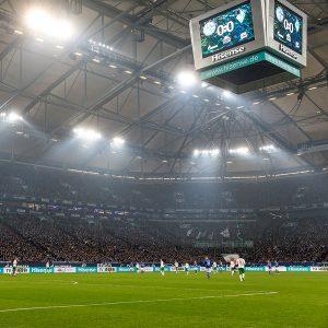 Videowürfel von Hisense in der Veltins-Arena