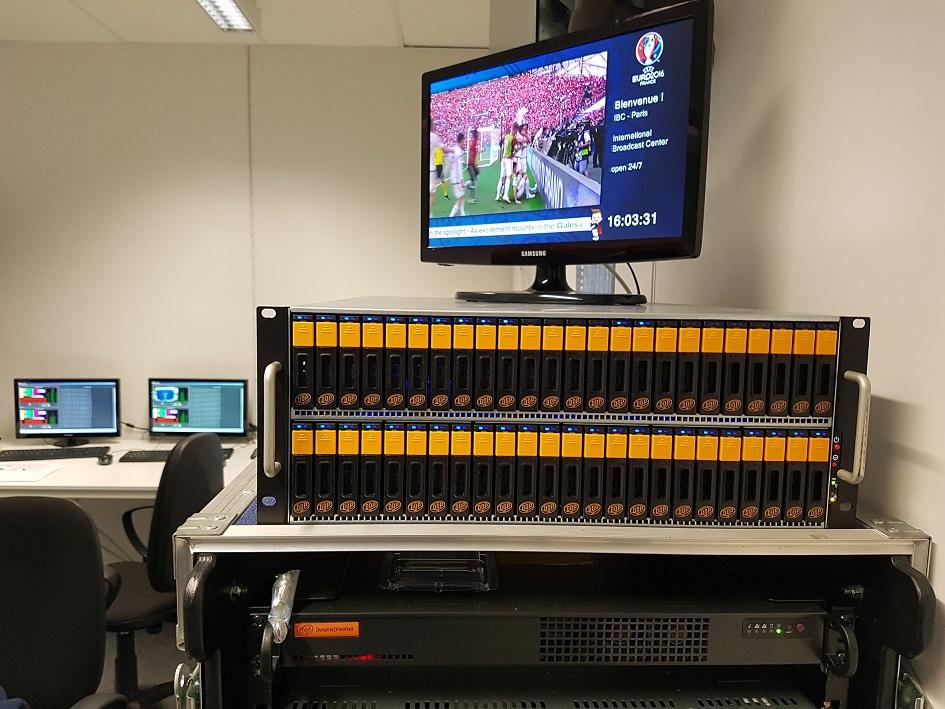 MicroDDP (und zusätzlich ein miniDDP48) im IBC in Paris bei der UEFA Euro 2016