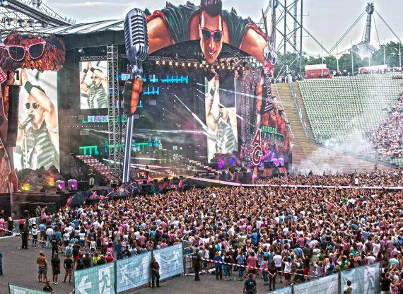 Global_Concerts_Mobilzaeune_AndreasGabalier