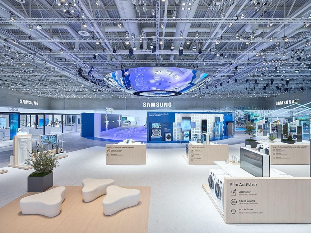 Offene Raumstruktur am Samsung Stand