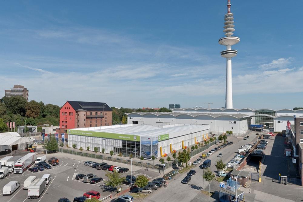 Losberger errichtete für die SMM 2016 die imposante temporäre Messehalle A5 mit 3.500 m² zusätzlicher Ausstellungsfläche, die aus zwei Losberger Palas- Einheiten zusammengesetzt wurde.