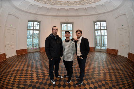 Arbeiten eng zusammen (v.l.n.r.): Live-Entertainment-Experte Stefan Lohmann und Felix Neumann (Musical Director) sowie Lenn Kudrjawizki (Manager) vom Berlin Show Orchestra