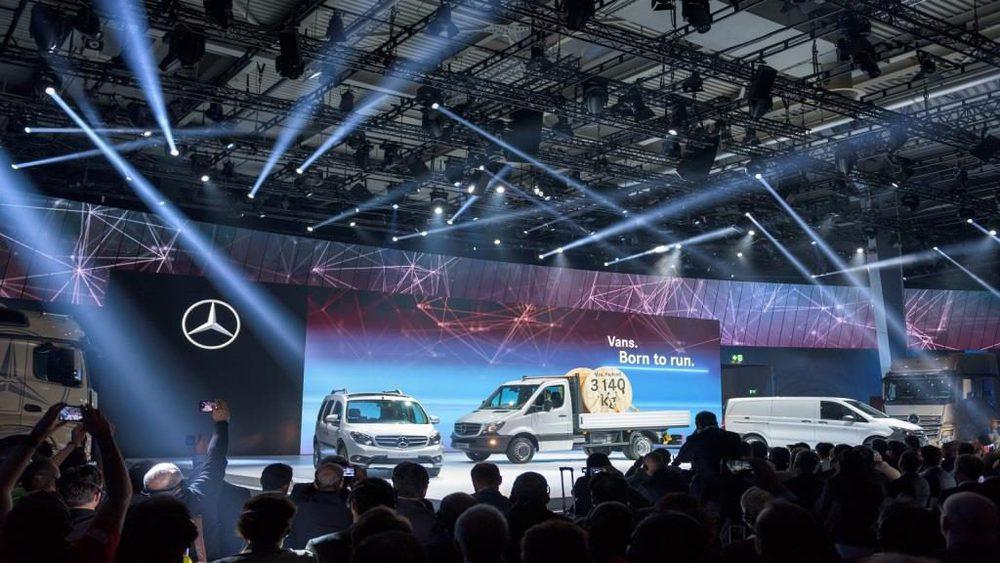 GLP bringt den Messestand von Daimler zum Leuchten