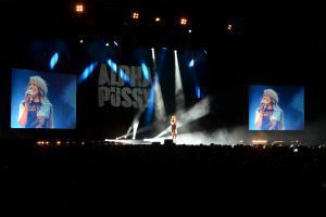 """Carolin Kebekus bei ihrer Show """"Alpha Pussy""""."""