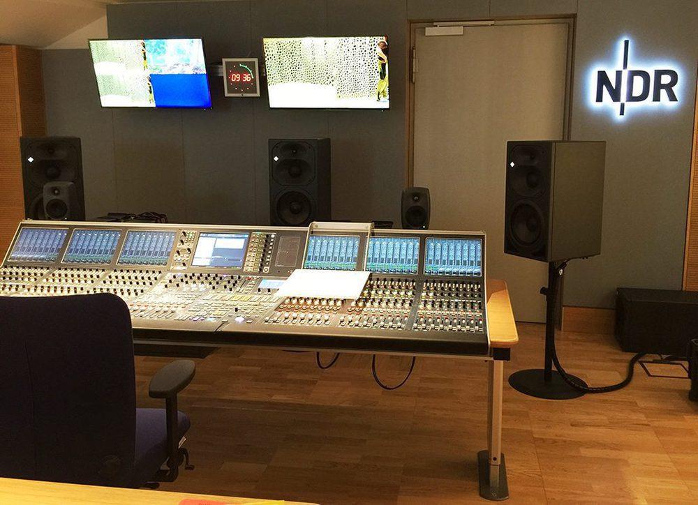 NDR Audio Regie, ausgestattet mit Equipment von Lawo.
