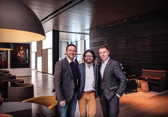 Peter Horn (Conference Manager Roomers Hotel), Daniel Schuch (Leiter Vertrieb & Marketing PINK Event Service), Thomas Feig (Resident Manager Roomers Hotel) vlnr