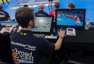 Video Referee von Broadcast Solutions bei der IHF Handball Weltmeisterschaft 2017 in Frankreich.