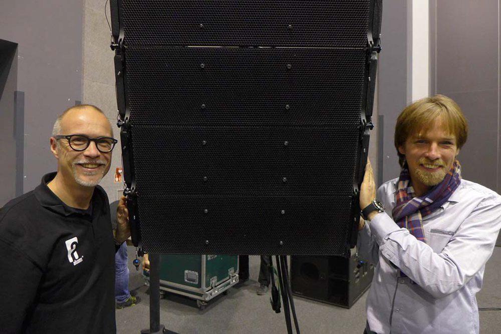 Alcons Mitgründer Tom Back (l.) und Aplauz Präsident und Managing Director Grzegorz Fotek.