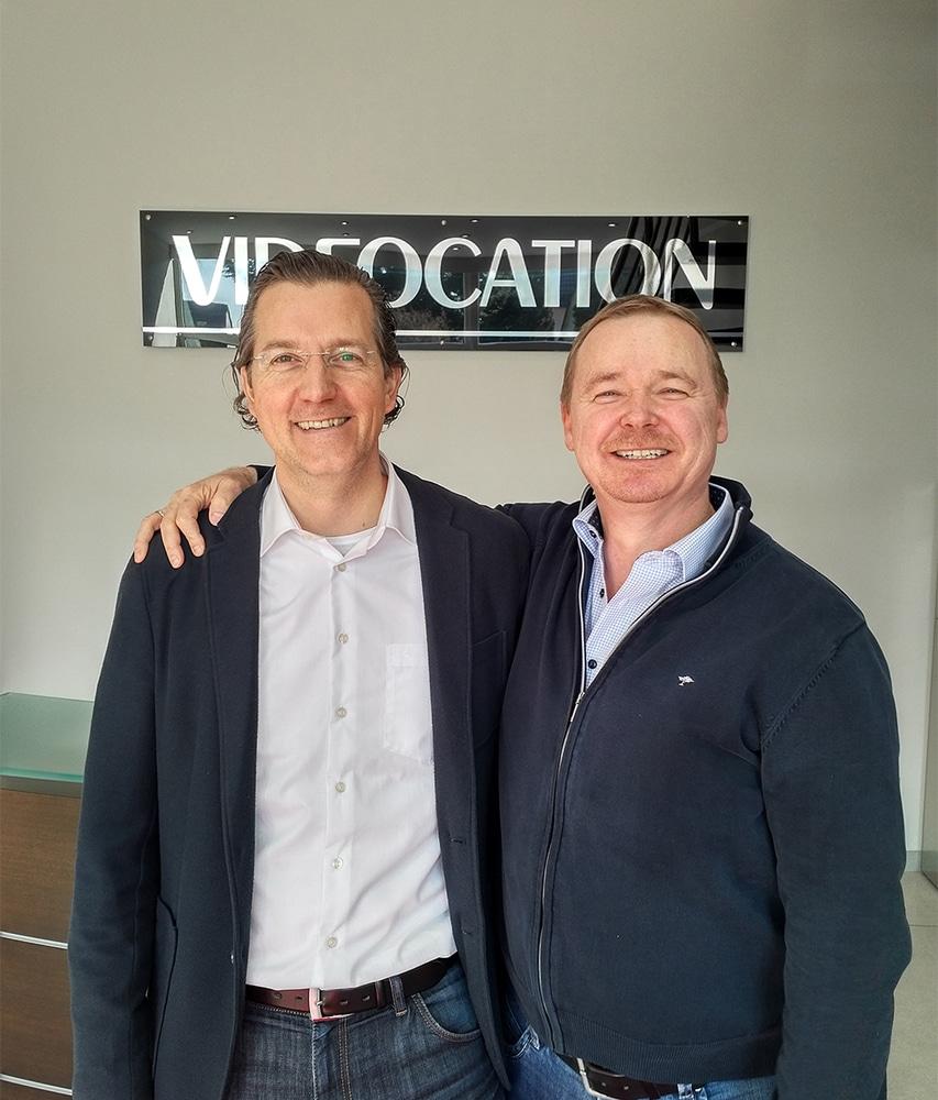 Charlie Nedeltschev, Geschäftsführer von Videocation (links) und Ralf P. Pfeffer, Vorstand und CEO von Teltec