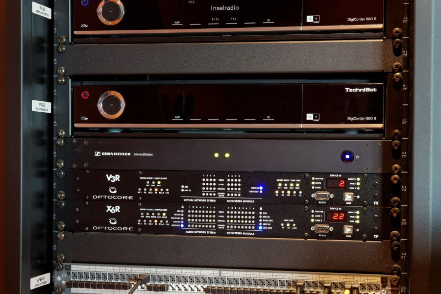 EM 3732-II L Doppelempfänger mit bis zu 184 MHz Schaltbandbreite.