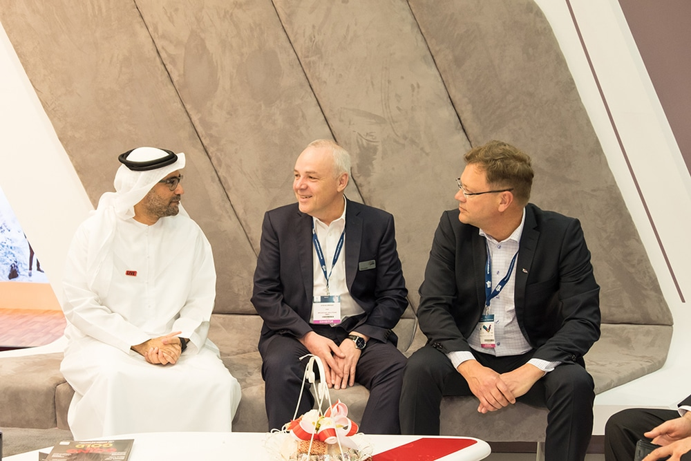 Ali Obaid Bu Ali, LIVE; Stefan Breder, CEO Broadcast Solutions; Paul Henriksen, President NEP Europe (v.l.n.r.)