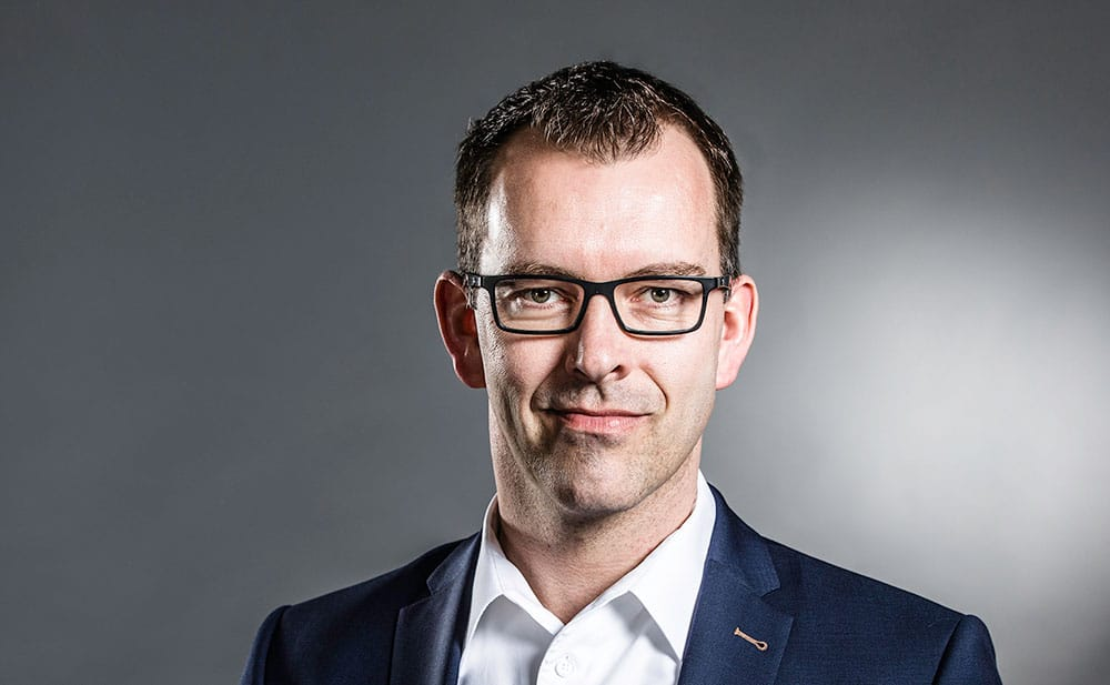 Kai Klöppel – Chief Financial Officer Amptown System Company