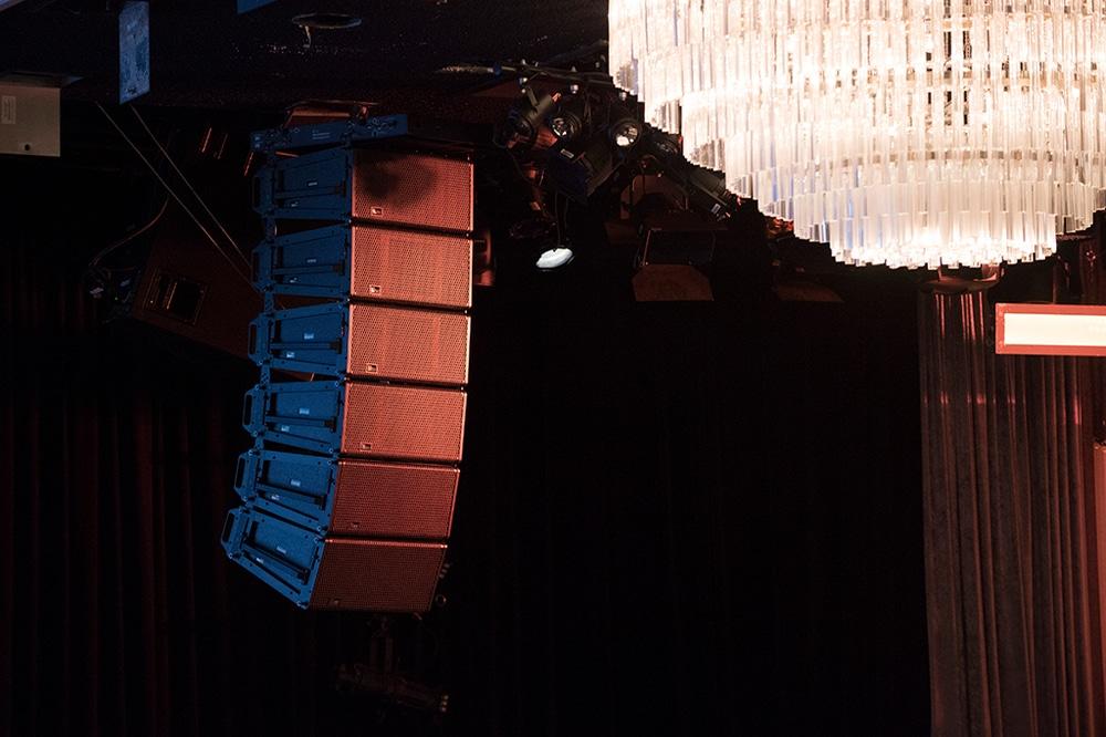 Meyer Sound Leopard beschallt Events im International Ballroom des Beverly Hilton