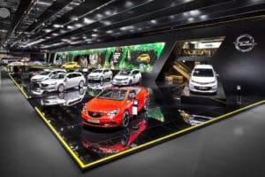 Vitamin E inszenierte Opel auf der Paris Motor Show 2016