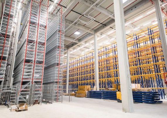 Das Logistik Zentrum von Innen