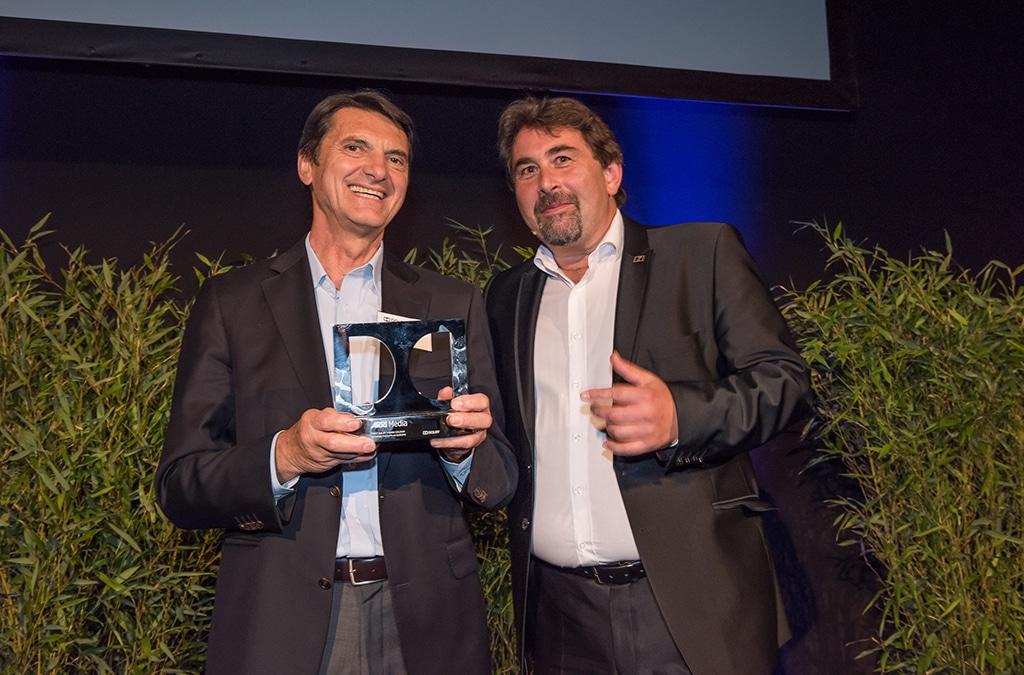 Franz Kraus (l., ARRI) und Fritz Deininger (Dolby) bei der Preisverleihung