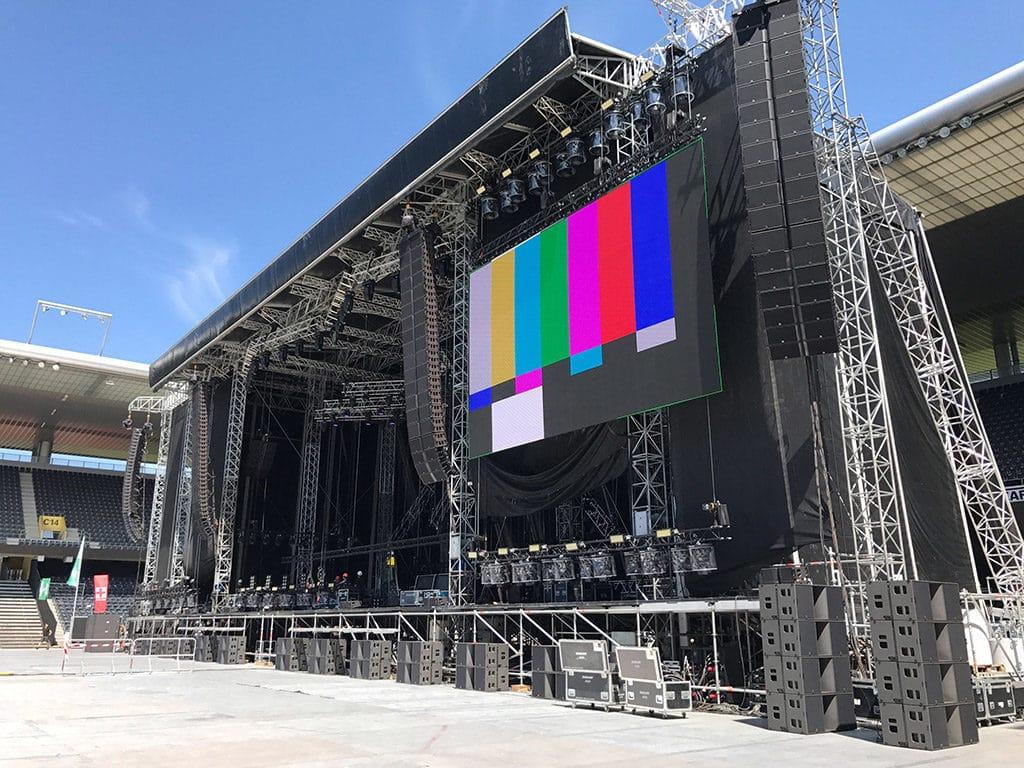 Für den Auftritt von Justin Bieber in Bern setzte die internationale Produktion auf Equipment von L-Acoustics.