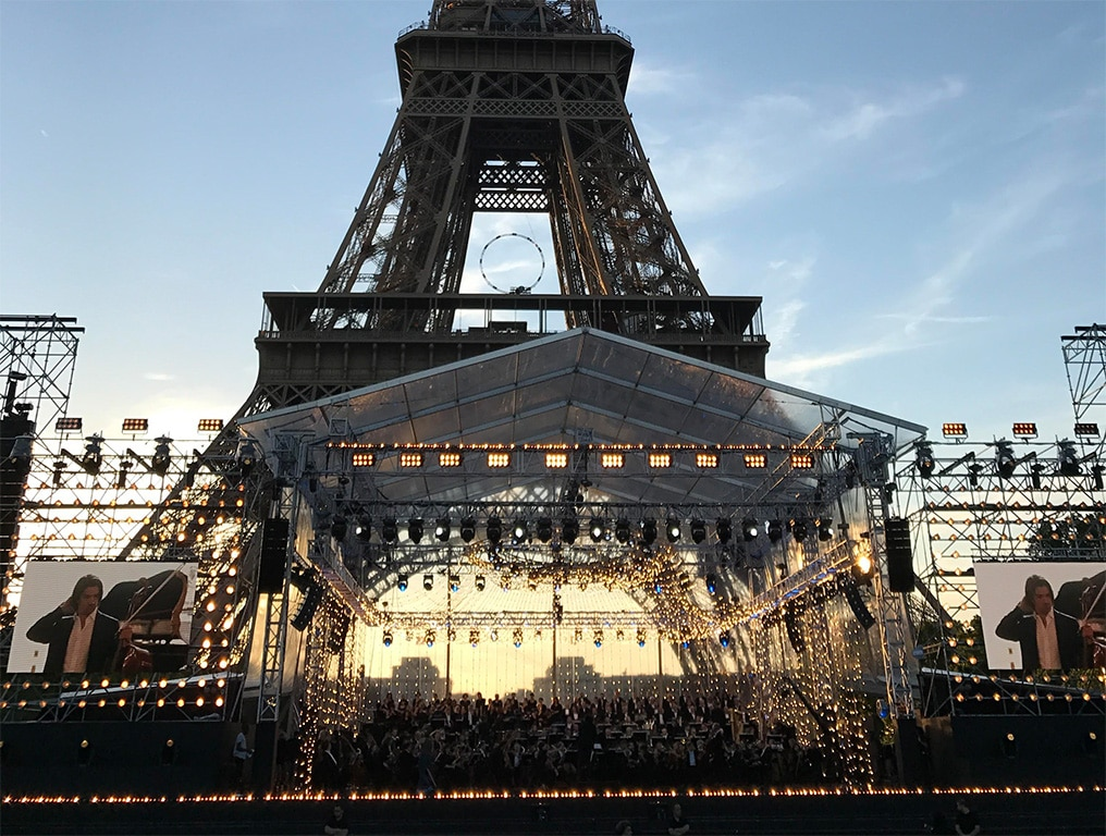 Concert de Paris am Eifelturm