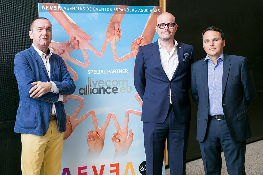 Neuer Vorstand (v.l.n.r. Ivo Franschitz - EMBA, Jan Kalbfleisch - FAMAB & Jaime Sanchez - AEVEA)