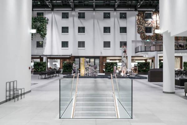 Das Atrium im Estrel Berlin
