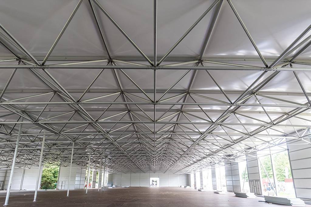 Im Bau: Halle für die Pavillons auf dem Weltklimagipfel 2017 in Bonn