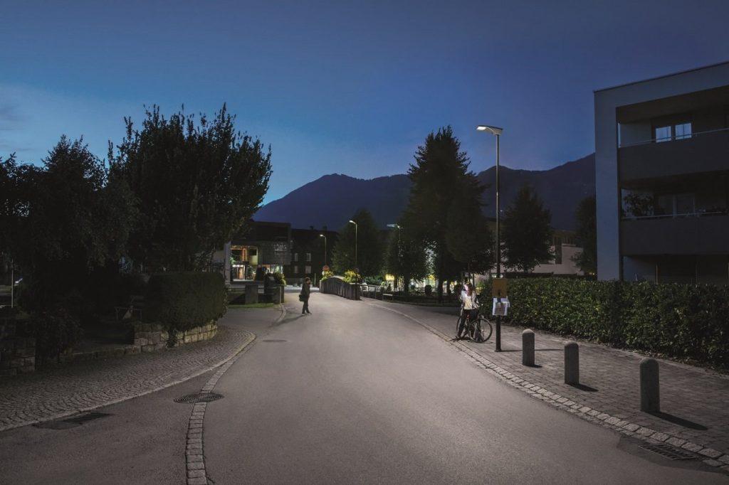 Die Gemeinde Nenzing setzt auf eine moderne Ortsbeleuchtung mit LED-Straßenleuchten R2L2 von Thorn. Und leicht steuerbar durch das System InCity von ZGS.