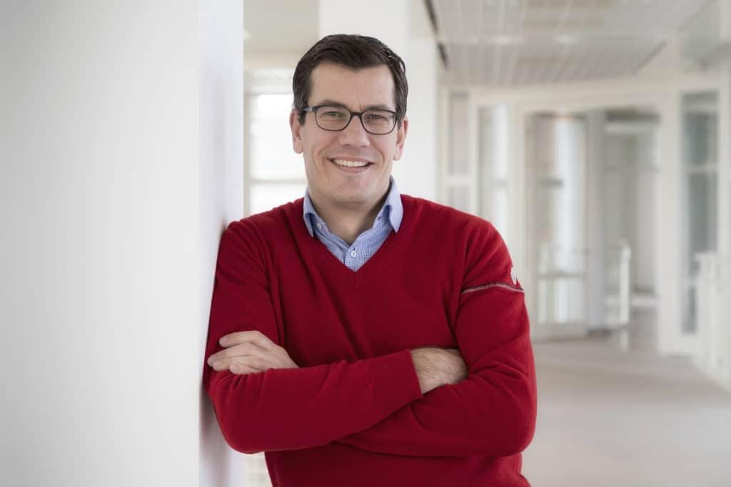 Dr. Jens Thiemer, Vice President Marketing Mercedes-Benz Cars
