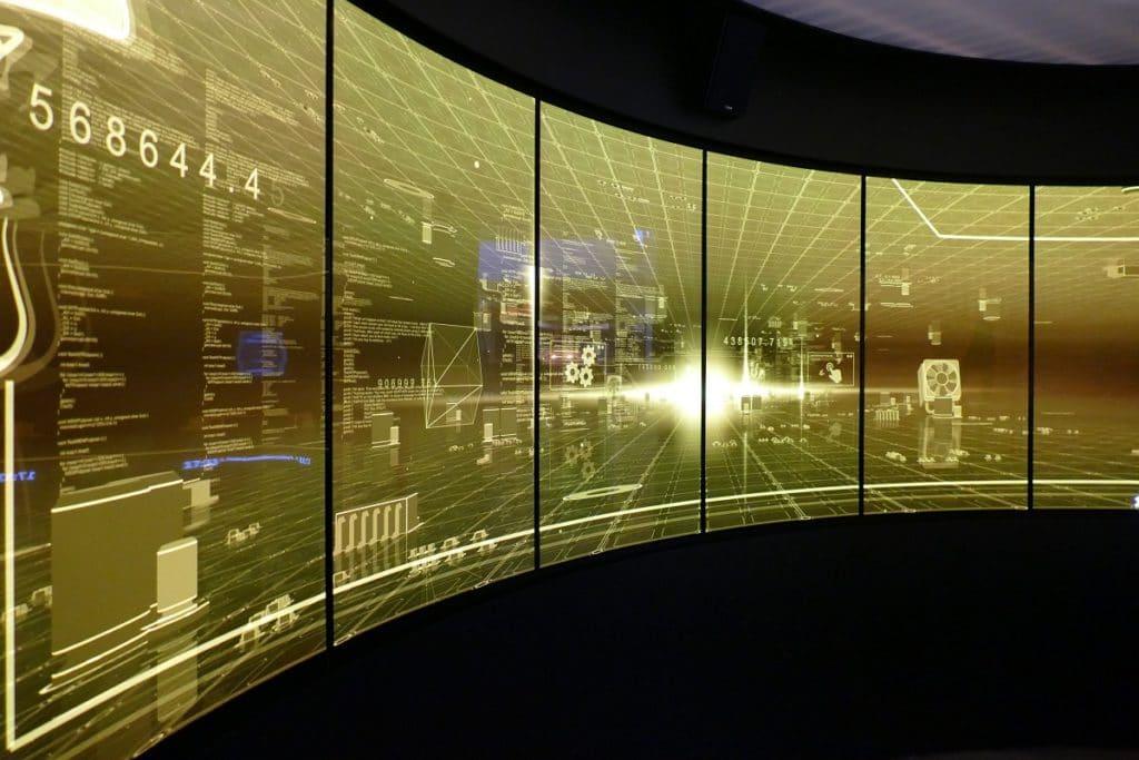 Immersive Anwendung mit einer maßgeschneiderten gecurvter primeTOUCH Installation  auf der ISE 2018 bei der Lang AG