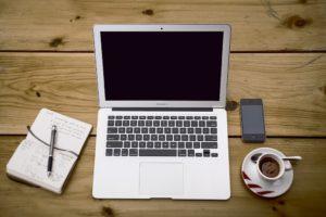 Laptop im Homeoffice
