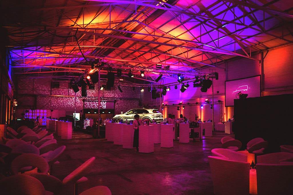 Porsche Cayenne Präsentation des Spezial Eventlocation für das Porsche Zentrum Karlsruhe von PINK Event Service