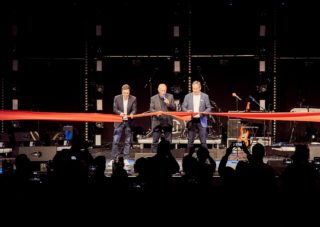 Adam Hall Group eröffnet neues Experience Center mit großen Feierlichkeiten