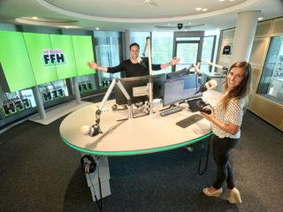 Julia Nestle und Daniel Fischer im FFH Studio.