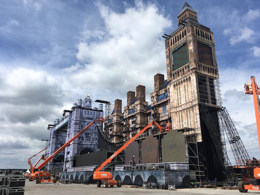 Stageco-Unterkonstruktion für die Bühne zum Airbeat One 2018