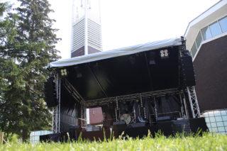 Bühnenkonstruktion beim Gemeindefest der ev. und kath. Gemeinde Winz Baak in Hattingen