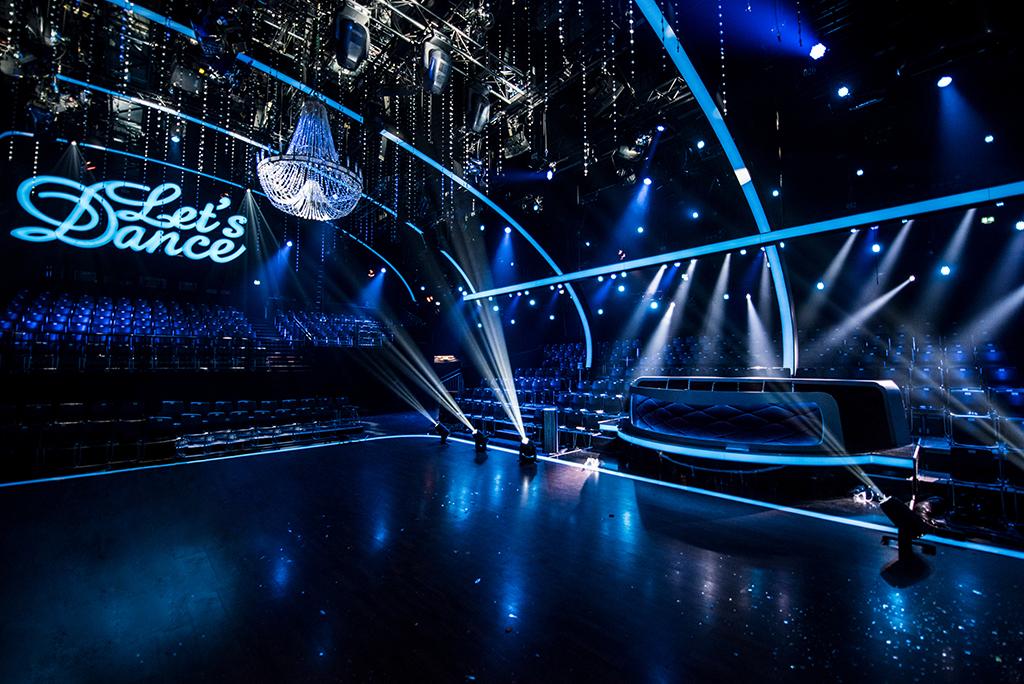 Tanzfläche und Jurorenbereich bei Let's Dance 2018