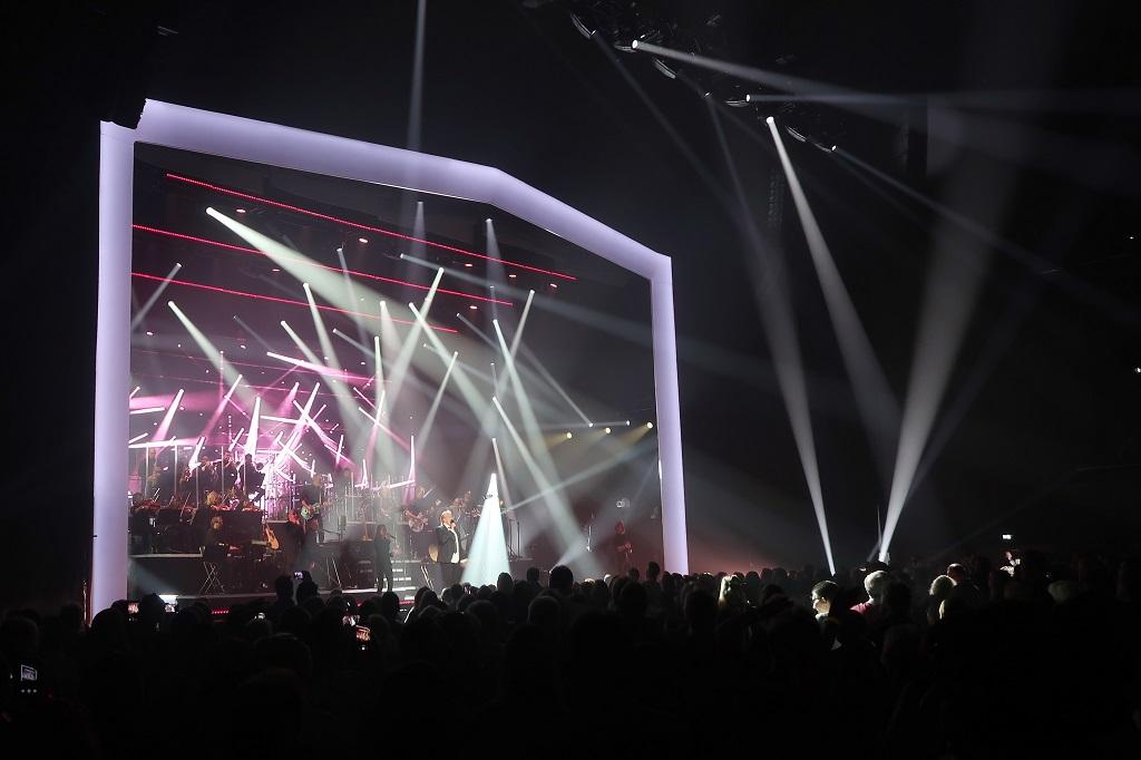 """Howard Carpendale beim ersten seiner fünf Berlin Konzerte """"Howard Carpendale: 50 Jahre - Die Show meines Lebens"""" am 27. Dezember 2018 in der verti music hall (VMH)."""