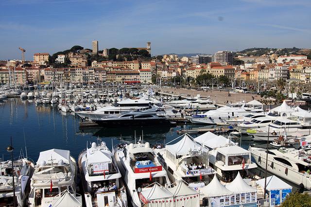 Cannes verwandelt sich vier Tage zum größten Immobilienmekka der Welt.