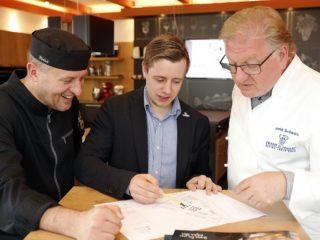 (v.l.n.r.): FSGG Küchendirektor Roger Achterath, Marco May und FSGG-Geschäftsführer Frank Schwarz