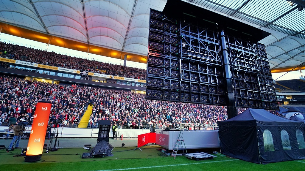 Screen-Visions-Black-Pearl-Premiere-Commerzbank-Arena