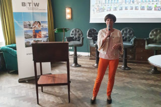 Ilona Jarabek vorm Tourismusausschuss in Berlin