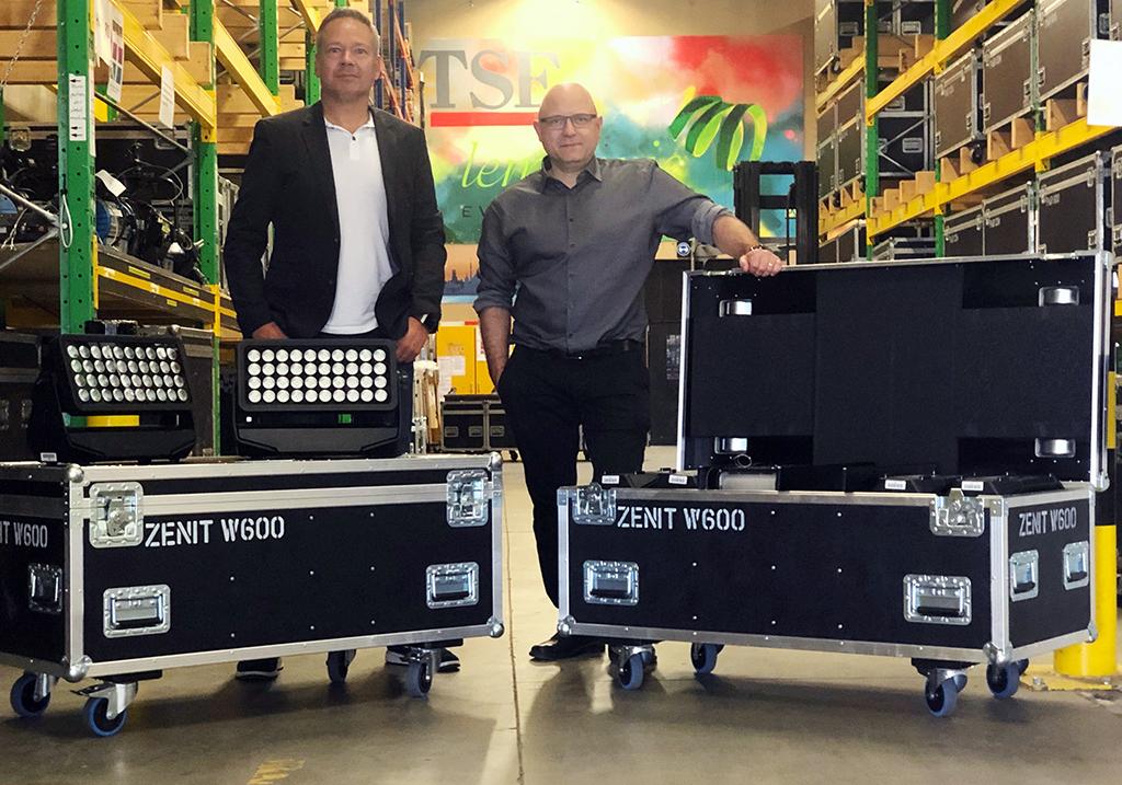 Markus Jahnel und Marcel Fery mit dem Cameo Zenit W600