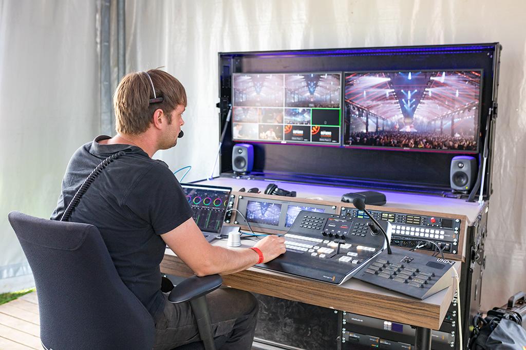 Die Kamerasignale vonden Hauptbühnen wurden allesamt an einenzentralen Übertragungswagen, den UHD2,geleitet