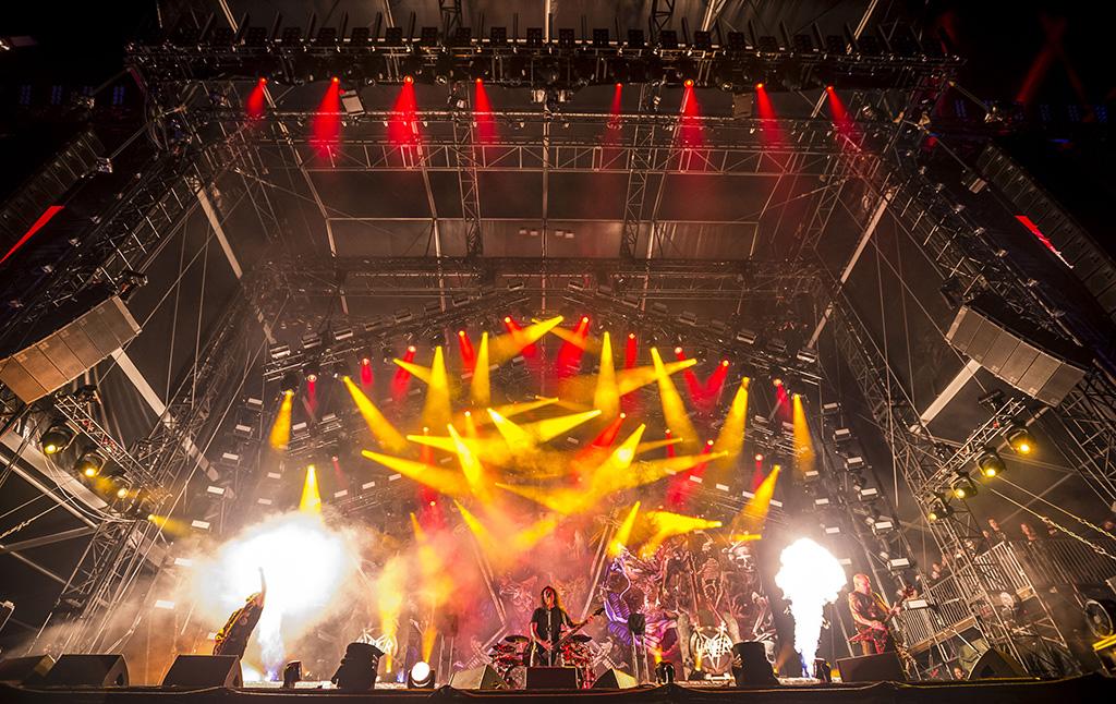 Movecat Bühnenkinetik beim letzten Gig von Slayer