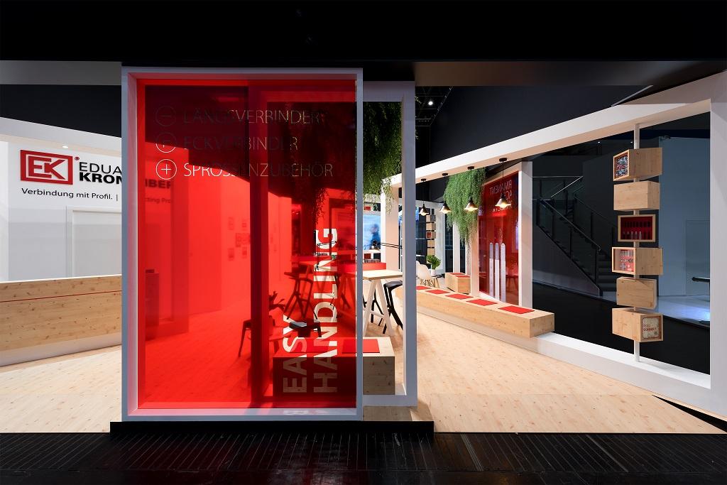Projekt: Eduard Kronenberg – glasstec 2018 – Connected Frames
