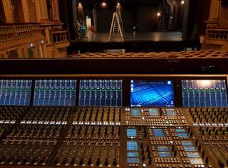 Crescendo-T im Zuschauersaal des Theaters Erlangen