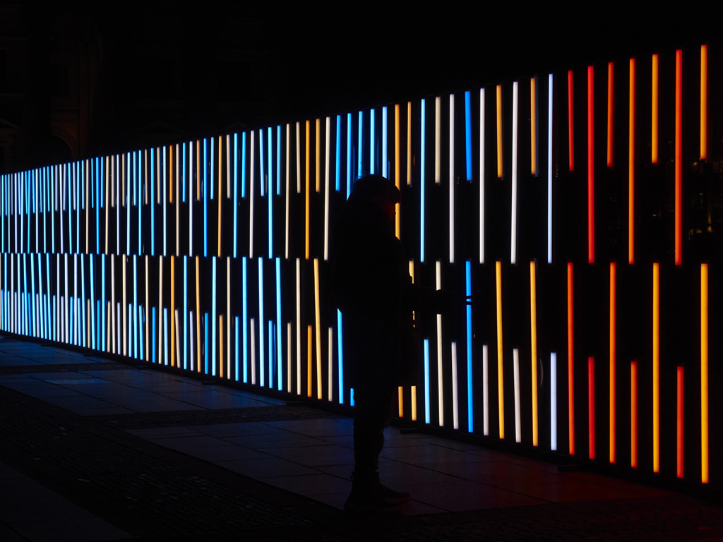 Lichtinstallation mit Astera-Tubes
