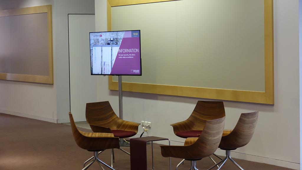 Digital Signage im Sitzbereich