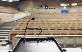 Hörsaal der Universität Stuttgart